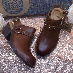 Born Brown Leather Mules 6M